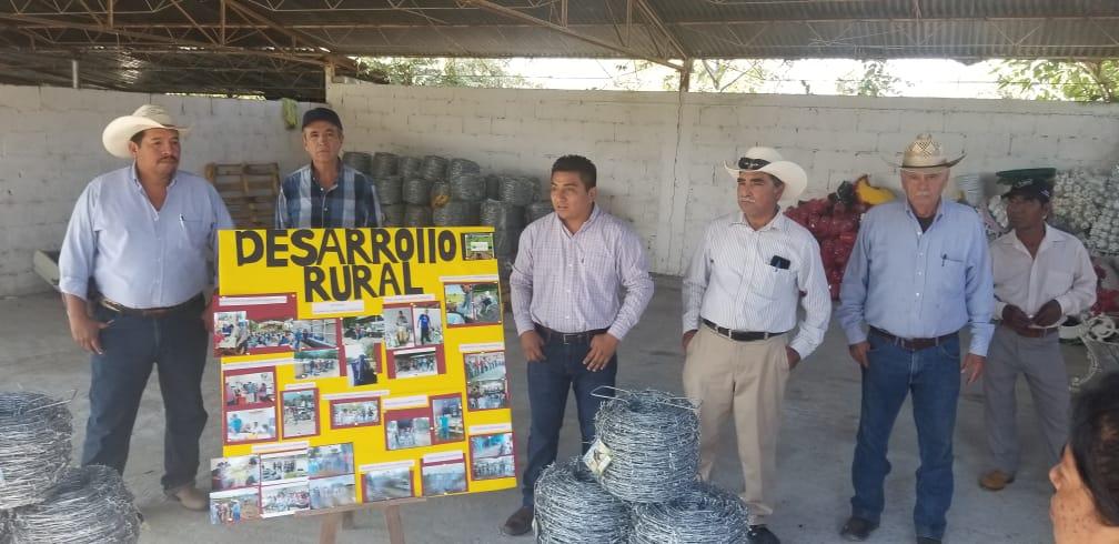 Gobierno Municipal apoya a productores con alambre de púas a bajo costo