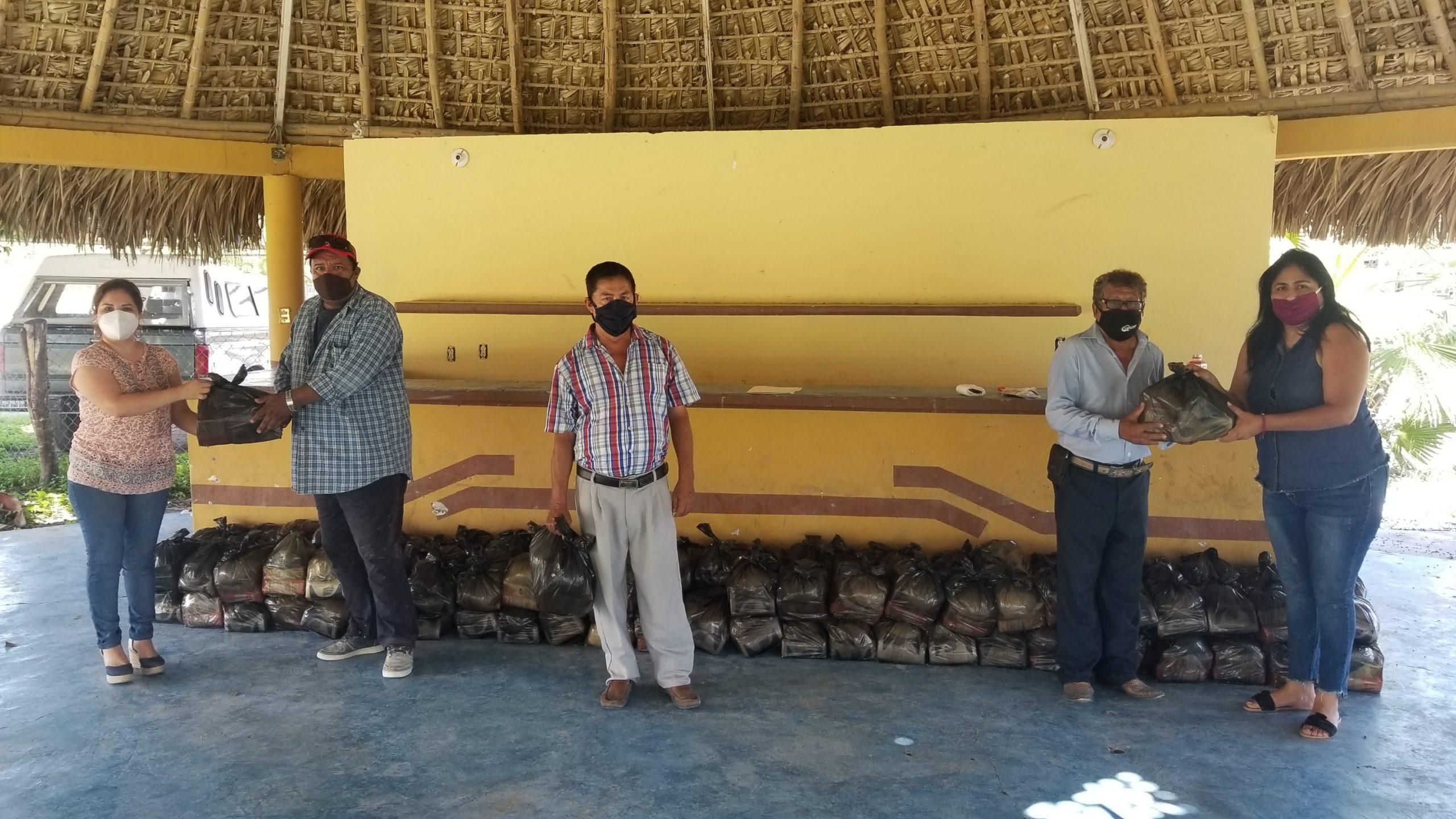 GOBIERNO DE TAMUIN ENTREGA APOYOS DE LA CANASTA BÁSICA A SINDICALIZADOS