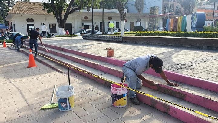 CONTINÚAN TRABAJOS DE MANTENIMIENTO EN EL PUEBLO MÁGICO DE AQUISMÓN